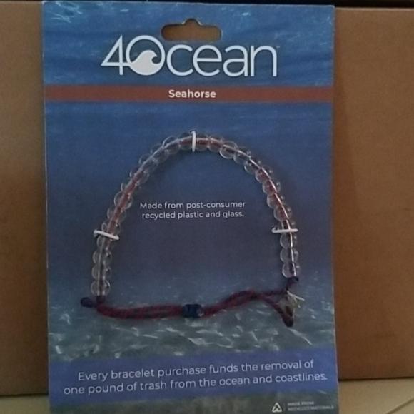 2/$30 4Ocean 🌊 Seahorse Bracelet